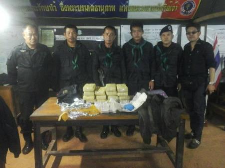 ฉก.ทพ.31 ตรวจเข้มชายแดนไทย-ลาว ยึดยาบ้าได้อีกร่วมแสนเม็ด
