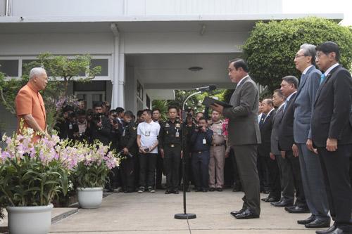 นายสมคิด จาตุศรีพิทักษ์ เข้าร่วมอวยพรวันคล้ายวันเกิด พล.อ.เปรม ติณสูนานนท์ เมื่อวันที่ 26 สิงหาคม