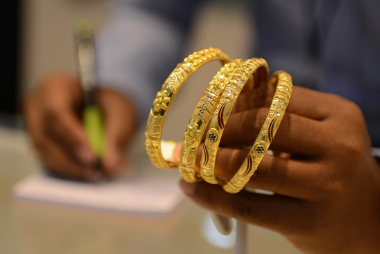 A thief swapped a $220,000 diamond with a fake at a luxury jewellery store in Hong Kong, police said Saturday, as the city wrestles with an uptick in shop theft. -- Photo: AFP