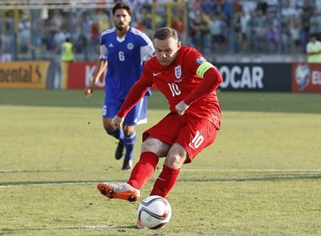 """""""รูน"""" นำสิงโตฝัง ซาน มาริโน 6-0 ลิ่วยูโรทีมแรก"""