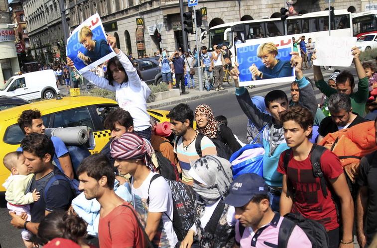 """เยอรมนีประกาศอัดฉีดงบ 3,000 ล้านยูโรช่วย """"รัฐ-เทศบาลเมือง"""" จัดการคลื่นผู้อพยพ"""