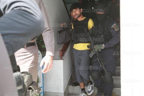 """ประมวลภาพ : ตำรวจ-ทหารคุมเข้มนำตัว """"มีไรลี ยูซุฟู"""" ทำแผนรับสารภาพ"""