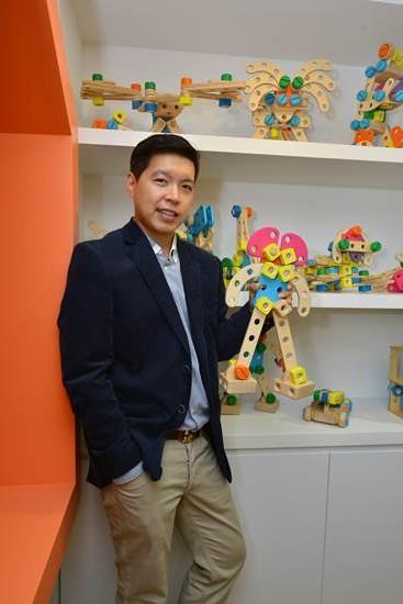 """""""อ.เฉลิมชัย โฆษิตพิพัฒน์"""" ร่วมสร้างสรรค์จินตนาการฝีมือคนไทยให้เป็นที่สุดในอาเซียน"""