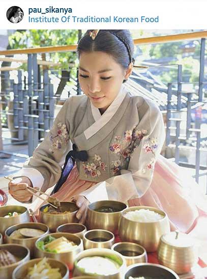 ศีกัญญา ศักดิเดช ภานุพันธ์ ด้วยความที่ชอบอาหารเกาหลีอยู่แล้ว พอนึกอยากจะเป็นแม่บ้านขึ้นมาก็เลยไปเรียนทำอาหารแบบแดจังกึมซะ!