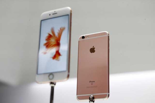 ไอโฟน 6 ที่ขายในราคาซึ่งชาวนิวยอร์กในสหรัฐฯ ใช้เวลาทำงานเพียง 3 วัน ก็สามารถซื้อโทรศัพท์ไอโฟน 6 ขนาดความจุ 16 กิกะไบต์ ได้แล้ว ขณะที่ชาวปักกิ่ง ประเทศจีนต้องทำงาน 27 วัน (217.8 ชั่วโมง) ถึงจะสามารถซื้อไอโฟน 6 ได้หนึ่งเครื่อง (ภาพรอยเตอร์ส)