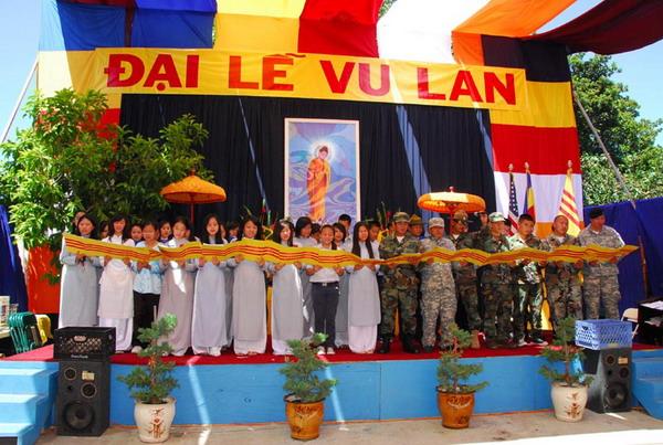 """เวียดนาม : เตรียมชู """"วันสารท"""" เป็นเทศกาลประจำชาติ"""