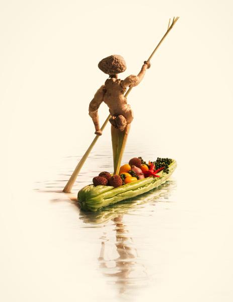 Thai Boat Man – ผู้ชายไทยพายเรือ