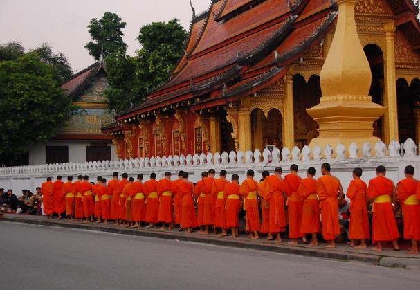 ธรรมาภิวัตน์  : พุทธศาสนาในลาว