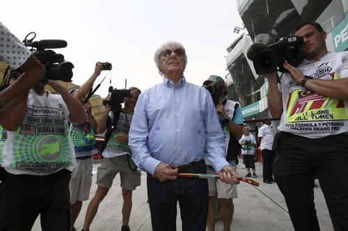 """""""เบอร์นี"""" แย้มขาย F1 บิ๊ก """"เปแอสเช-โลมา"""" จ้องฮุบ"""