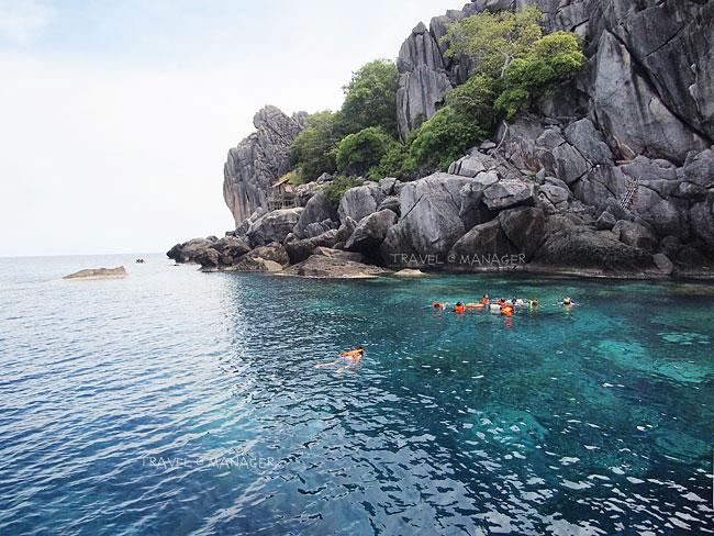 น้ำใสๆ ที่เกาะง่ามน้อย