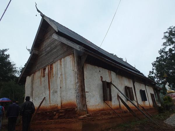 ตะลึง! พบวิหารเก่าแก่สภาพพังยับจากแผ่นดินไหวใหญ่แม่สรวย ชาวบ้านผวาทุกวันพระ