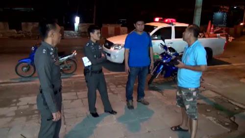 3 คนร้ายอุกอาจใช้มีดจี้ชิงรถ จยย.ป้ายแดงสาวคาราโอเกะเมืองชลฯ (ชมคลิป)
