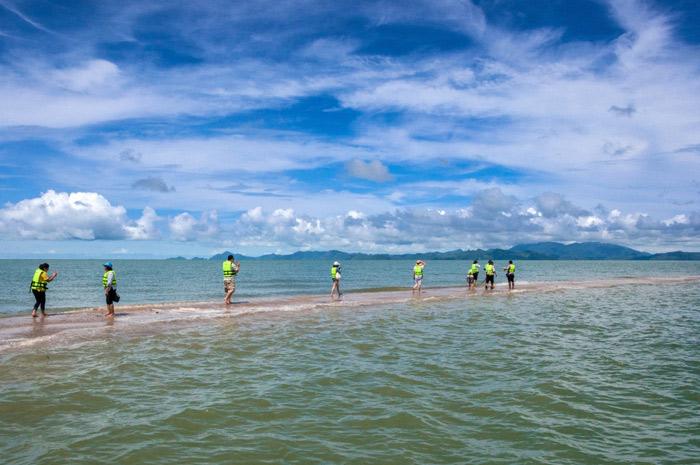 หาดสันหลังมังกร อ.เมือง จ.สตูล : สันหลังมังกร