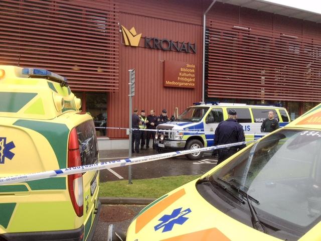 คนร้ายไล่แทง2ศพในโรงเรียนสวีเดนตายแล้วหลังถูกยิงเจ็บสาหัส พบสรรเสริญ'ฮิตเลอร์-นาซี'