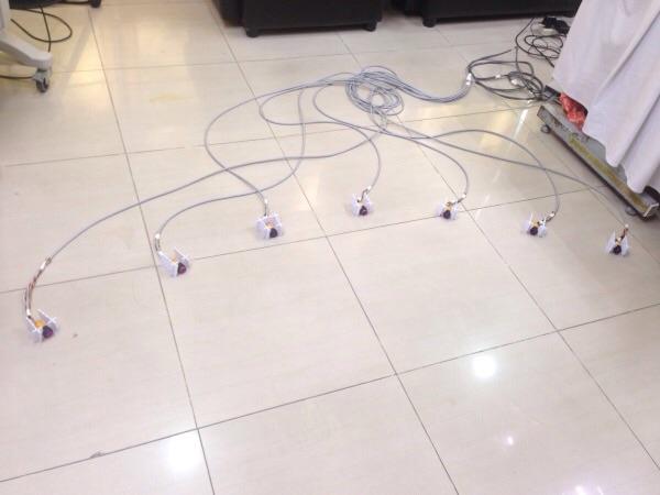 เปียโนล่องหน ที่อาศัยกลไกการจับวัดแสงของอินฟราเรด ผลงานพัฒนาโดยนักวิจัย สวทช.จะถูกนำไปจัดแสดงเพื่อให้เยาวชนได้ร่วมทดลองเล่นด้วย