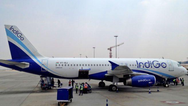 สายการบินอินเดียห้ามผู้โดยสารหญิงนุ่งสั้นขึ้นเครื่อง