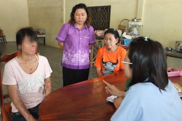 """""""บิณฑ์ บันลือฤทธิ์"""" ช่วยเหลือครอบครัวสาวระยองถูกสาดน้ำกรดตาบอด"""