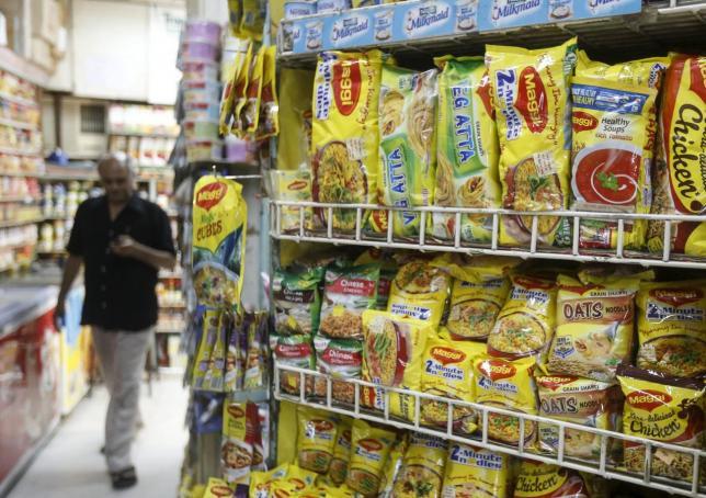 """เมืองโรตีเฮ! บะหมี่ """"แม็กกี้"""" วางขายในอินเดียอีกรอบ หลังถูกแบนข้อหา """"สารตะกั่ว"""" อื้อ!"""