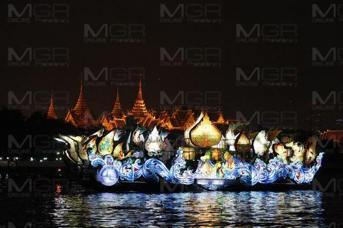 งดงามเรือประดับไฟฟ้า เทศกาลสีสันแห่งสายน้ำริมเจ้าพระยาประจำปี 2558