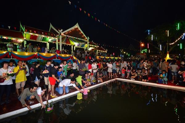 เมืองเจดีย์ใหญ่จัดเทศกาลลอยกระทงสุดอลังการ