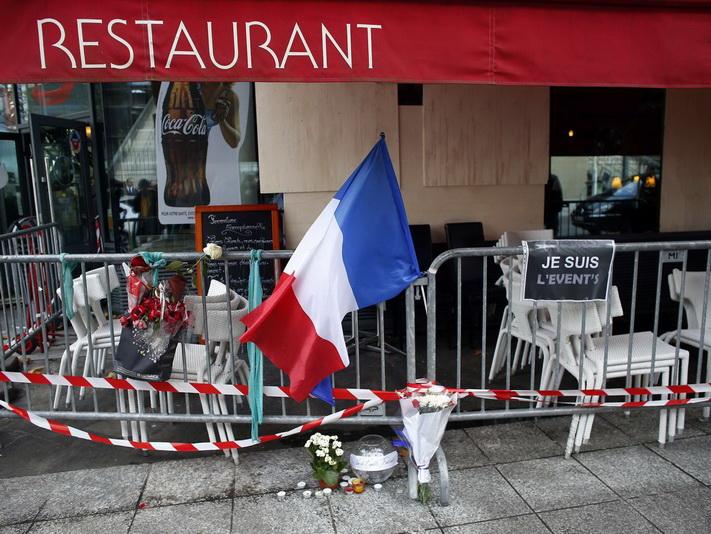 """Weekend Focus : โจมตีปารีสปลุกกระแสต้าน """"ก่อการร้าย"""" ฝรั่งเศส-รัสเซียส่งฝูงบินขับไล่รุมกินโต๊ะ """"ไอเอส"""""""