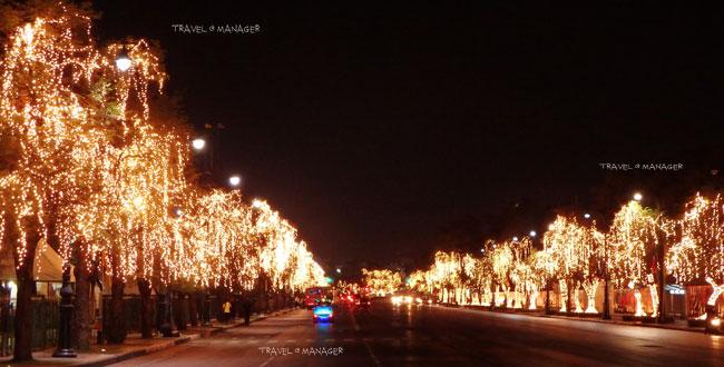 """แสงไฟระยิบระยับ ริมสองฝากฝั่ง """"ถนนราชดำเนินใน"""""""