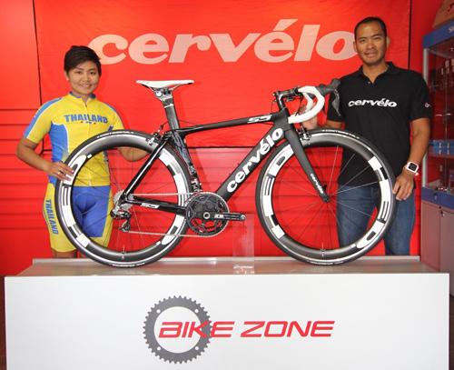 """""""จุฑาธิป"""" ปลื้มได้จักรยานสุดเจ๋งจาก Cervelo ปั่นคัดไปอลป."""