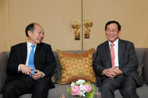 """รถไฟไทย-จีนเซ็น FOC วางกรอบทำงานร่วม  ต้นทุนทะลุ 5 แสนล.""""อาคม""""สั่งรีเช็คทุกรายการ"""