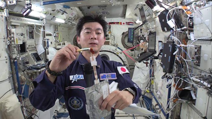 กลับคืนสู่โลก...คลิปทดลองบนสถานีอวกาศไอเดียเด็กไทย