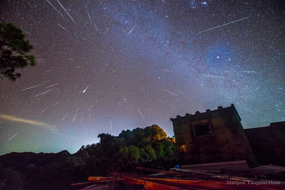 ถ่ายภาพฝนดาวตกเจมินิดส์ในแบบฉบับนักดาราศาสตร์