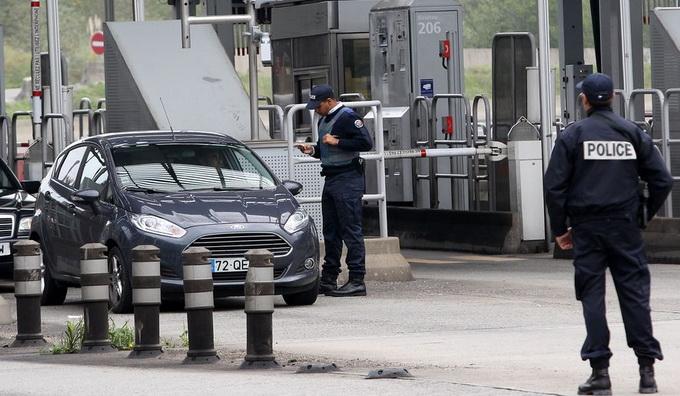 ฝรั่งเศสทลายแผนโจมตีรอบใหม่ พุ่งเป้าเล่นงานทหาร-ตำรวจ