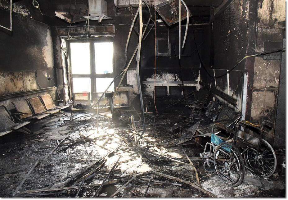 เกิดเหตุเพลิงไหม้ที่โรงพยาบาลแห่งหนึ่งทางตอนใต้ของซาอุดีอาระเบียเมื่อช่วงกลางดึกวันพฤหัสบดี(24 ธ.ค)พบผู้เสียชีวิตแล้วอย่างน้อย 25 ราย บาดเจ็บอีก 107 คน