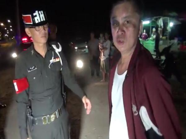 งามหน้า! นายตำรวจเมืองรถม้าเมาแอ๋ขับกระบะชนท้ายรถชาวบ้านพัง(ชมคลิป)