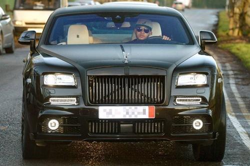 """""""เดปาย"""" ถอยรถหรูเกินฝีมือราคาแตะ 13 ล้าน"""