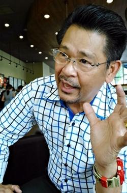 อาจารย์ธนากร ตันอาวัชนการ ผู้อำนวยการสถาบันฮวงจุ้ยกับชีวิต