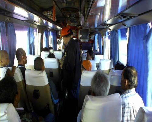 ตรวจความพร้อมของรถโดยสาร เพื่อสร้างความปลอดภัยต่อนักท่องเที่ยว