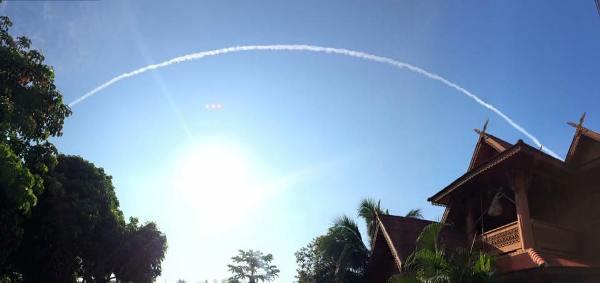 """Updated! สดร.แจงแสงขาวจาก """"ขยะอวกาศ"""" คนละเหตุการณ์กับ """"เมฆหางเครื่องบิน"""""""