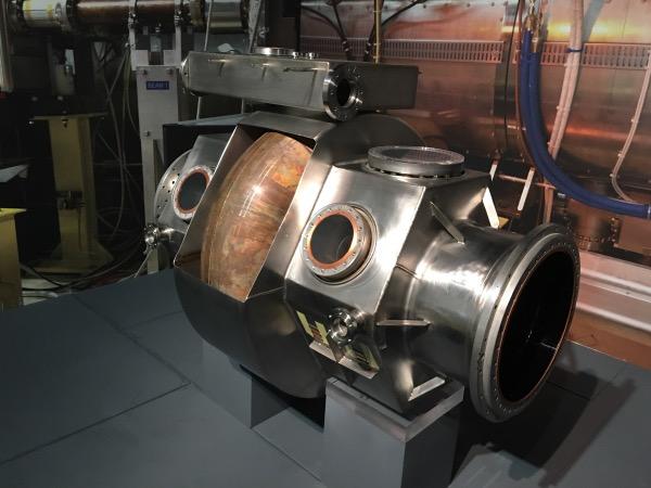 อุโมงค์ LHC