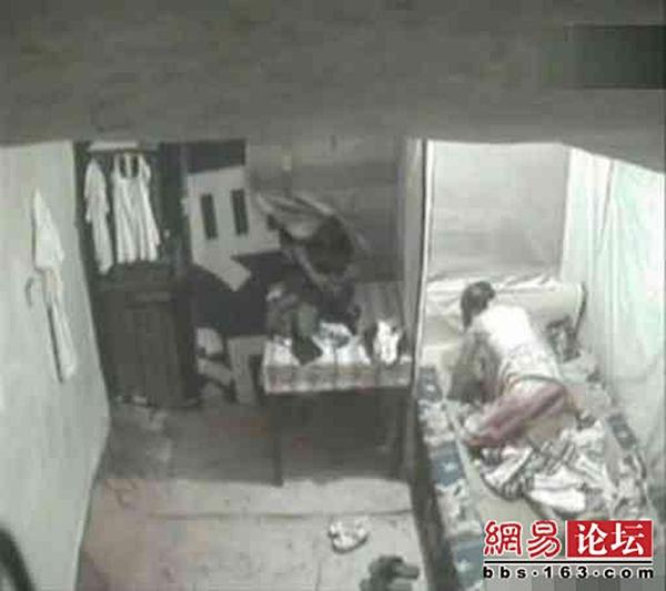 ซ่องในจีนแอบตั้งกล้องถ่ายเอาไว้ขาย ลูกค้าได้เป็นพระเอกด้วย