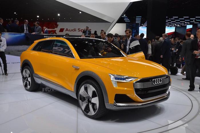 Audi หันมาลุยตลาด Fuel Cell บ้าง กับต้นแบบที่ชื่อว่า h-Tron ซึ่งใช้ระบบเซลล์เชืิ้อเพลิงที่มีไฮโดรเจนเป็น เชื้อเพลิงในการสร้างกระแสไฟฟ้า ขับเคลื่อนด้วยมอเตอร์ไฟฟ้า 2 ตัว ตัวหน้า 120 แรงม้า และตัวหลัง 188 แรงม้า