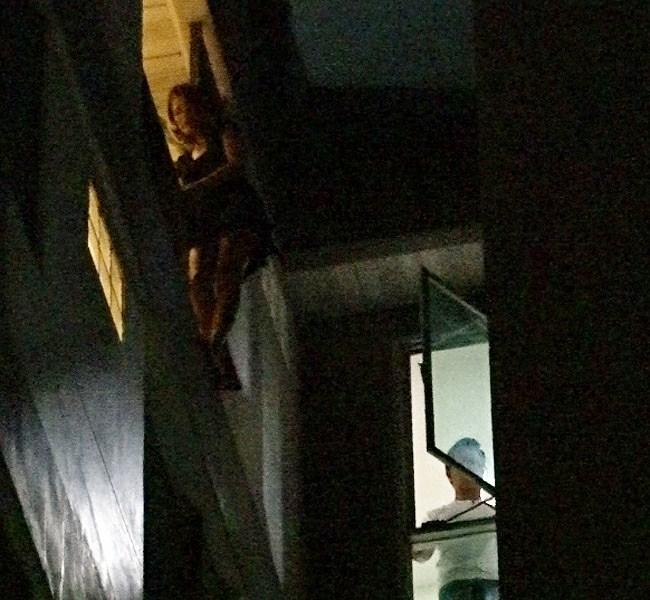 สาวถูกแฟนนอกใจคิดสั้นพยายามกระโดดตึก 8 ชั้น (มีคลิป)