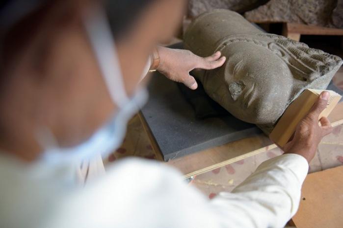 พิพิธภัณฑ์ฝรั่งเศสคืนรูปสลักโบราณที่สูญหายไปนาน 130 ปี ให้กัมพูชา