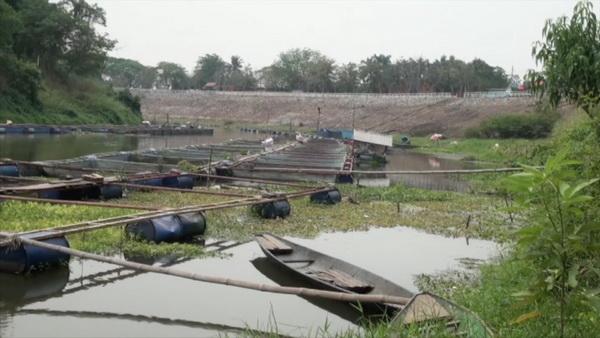 วิกฤตแล้ง! น้ำเขื่อนอุบลรัตน์แห้งสั่งห้ามเลี้ยงปลากระชังเด็ดขาด หวั่นแม้ผลิตน้ำประปาอาจไม่พอ