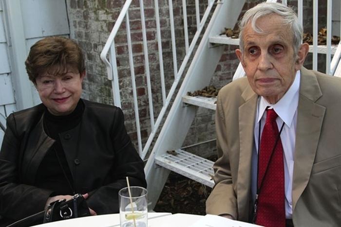 แนชและอลิเซีย ภรรยาซึ่งเสียชีวิตจากอุบัติเหตุระหว่างโดยสารแท็กซีในนิวเจอร์ซี