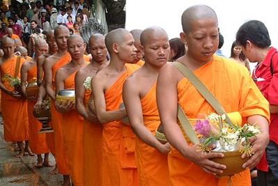 """สงฆ์ไทยเสี่ยงโรคเรื้อรังอื้อ """"ไขมัน-อ้วน-ไต-โลหิตจาง"""""""