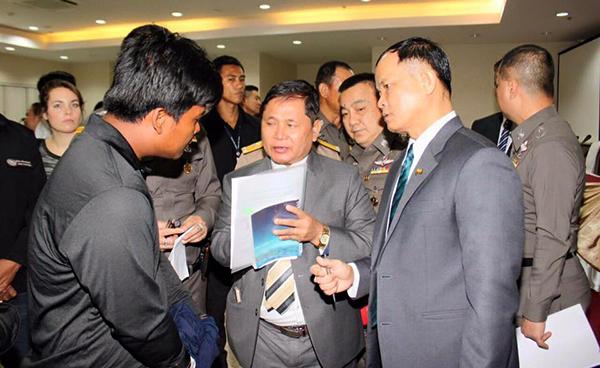 ไทย-พม่าบุกช่วยเหยื่อค้ามนุษย์ชาวพม่า 29 คน ที่จ.ภูเก็ต พร้อมรวบ 2 ผู้ต้องหา