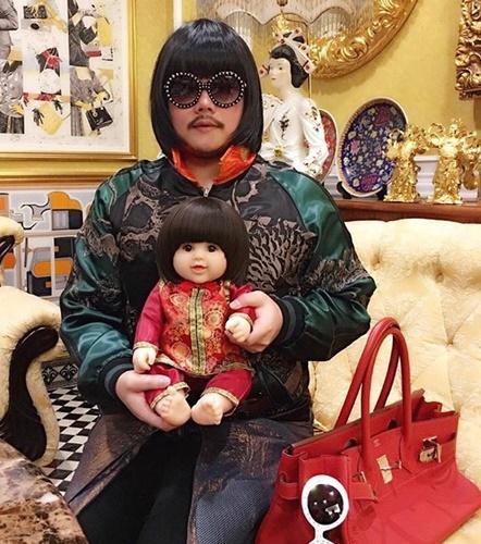 """ไม่ยอมตกเทรนด์ """"ปิ๊บปี้-ภัทรพล"""" เห่อตุ๊กตาลูกเทพฝุดๆ"""