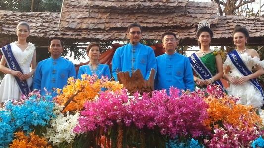 นักท่องเที่ยวแห่ชมขบวนรถบุปผชาติงานไม้ดอกไม้ประดับเชียงใหม่ ครั้งที่ 40