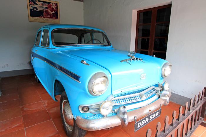 รถออสตินสีฟ้าคันที่เป็นตำนานแห่งวัดเทียนมู่