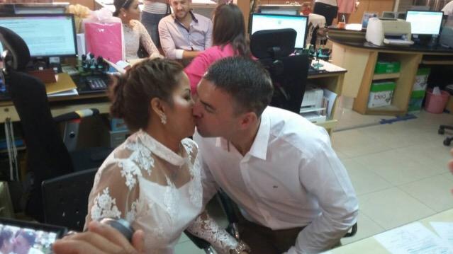 นักธุรกิจเมืองผู้ดีควงสาวไทยขึ้นอำเภอจดทะเบียนสมรสคู่แรกรับวันวาเลนไทน์บางละมุง